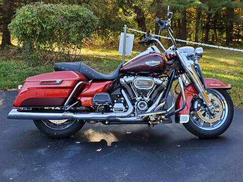 2019 Harley-Davidson Road King for sale at R & R AUTO SALES in Poughkeepsie NY