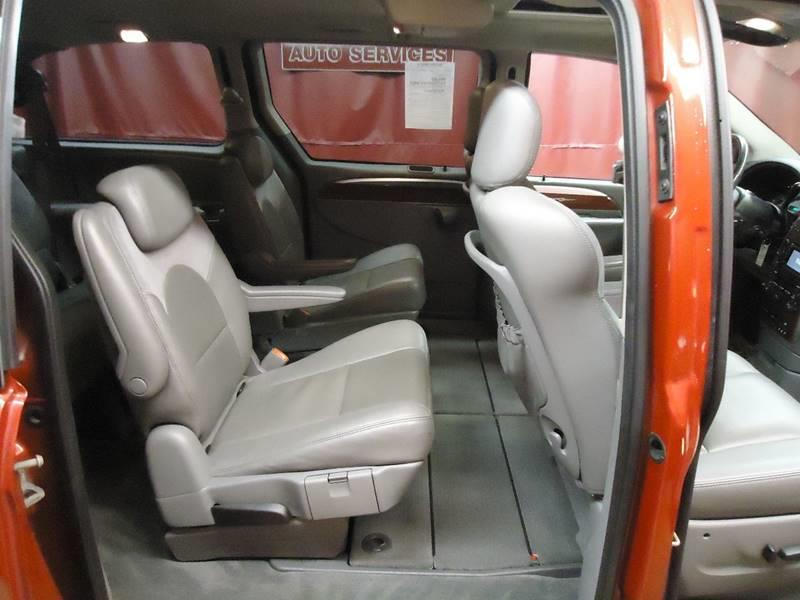 2007 Chrysler Town and Country Limited 4dr Extended Mini-Van - Latham NY