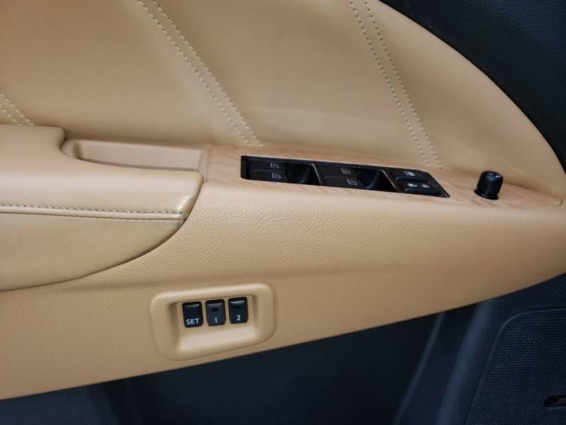 2011 Nissan Murano CrossCabriolet (image 14)
