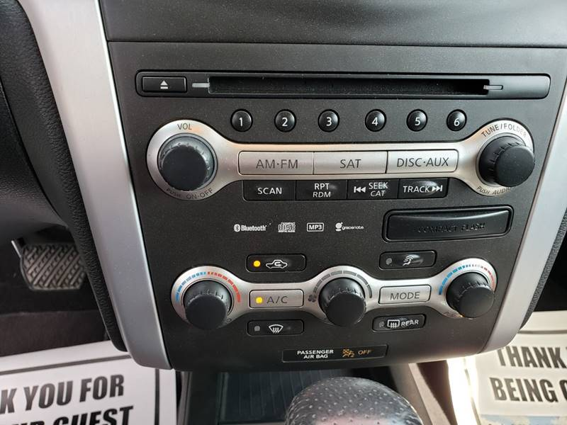 2009 Nissan Murano LE (image 23)
