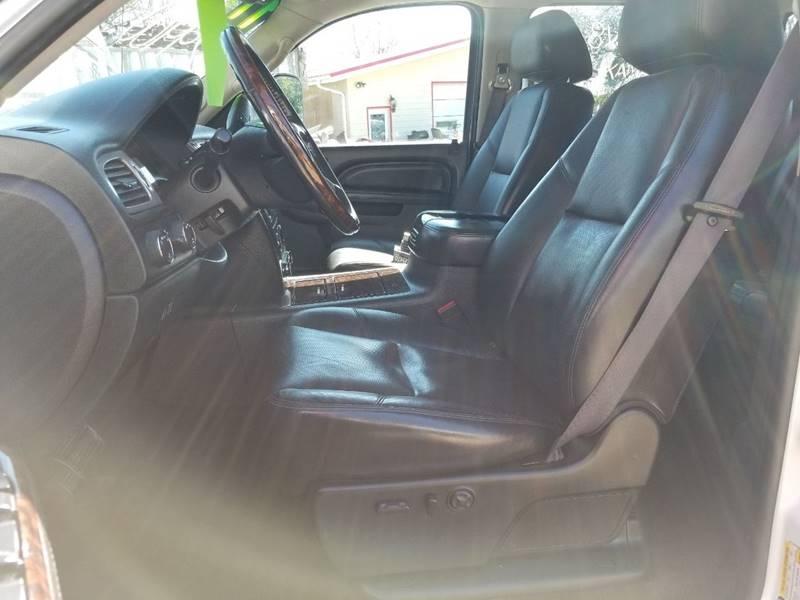 2011 GMC Sierra 2500HD Denali (image 15)