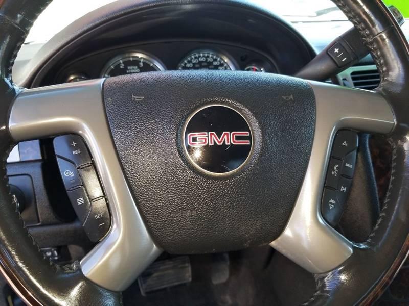 2011 GMC Sierra 2500HD Denali (image 18)