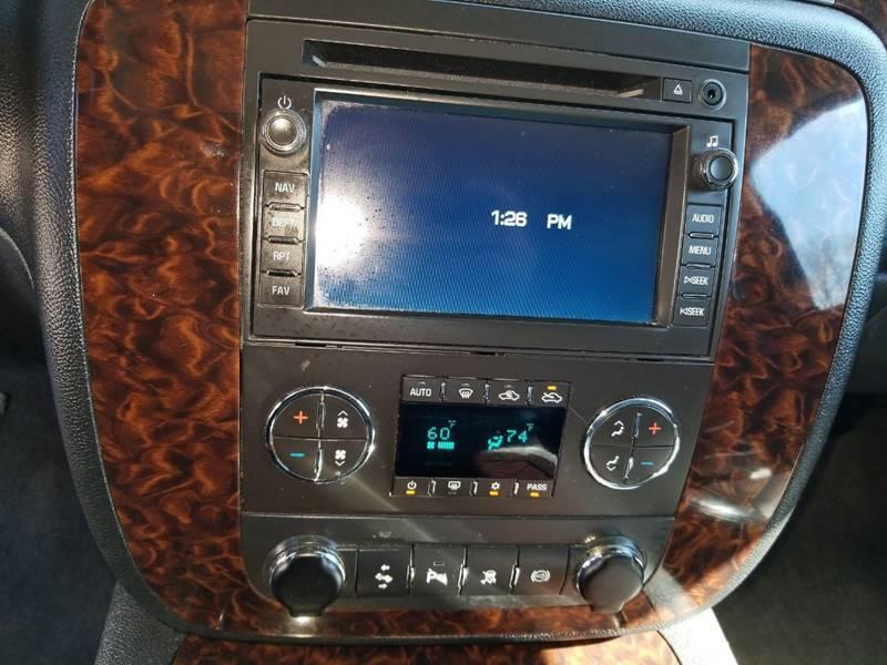 2011 GMC Sierra 2500HD Denali (image 22)
