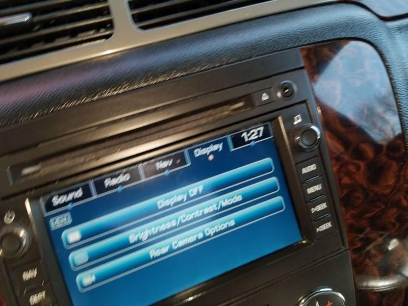 2011 GMC Sierra 2500HD Denali (image 25)
