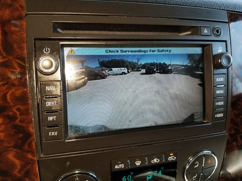 2011 GMC Sierra 2500HD Denali (image 26)