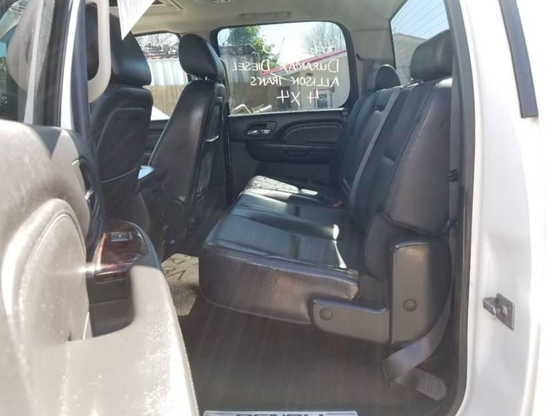 2011 GMC Sierra 2500HD Denali (image 31)