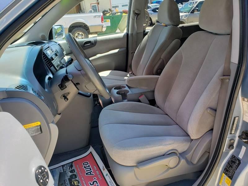 2008 Kia Sedona EX (image 11)