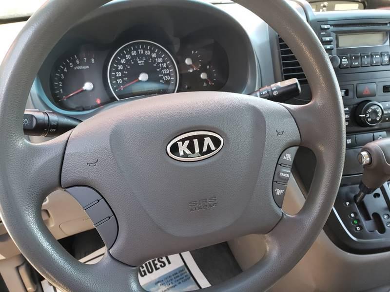 2008 Kia Sedona EX (image 14)