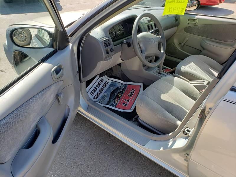 2001 Toyota Corolla CE (image 9)