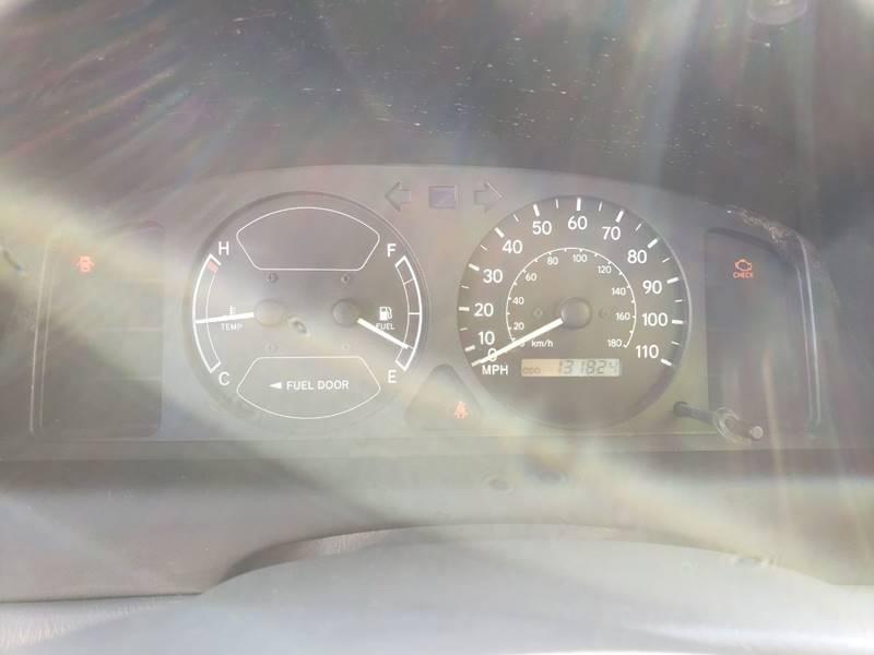 2001 Toyota Corolla CE (image 13)