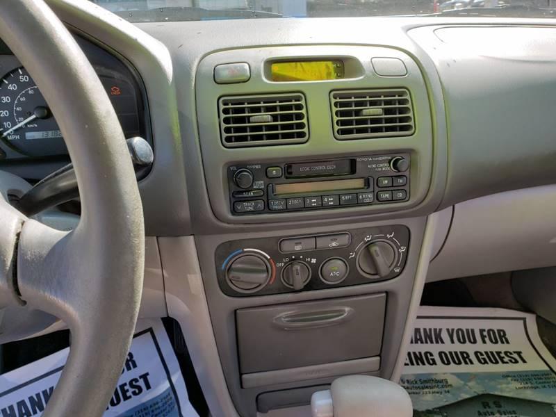 2001 Toyota Corolla CE (image 14)