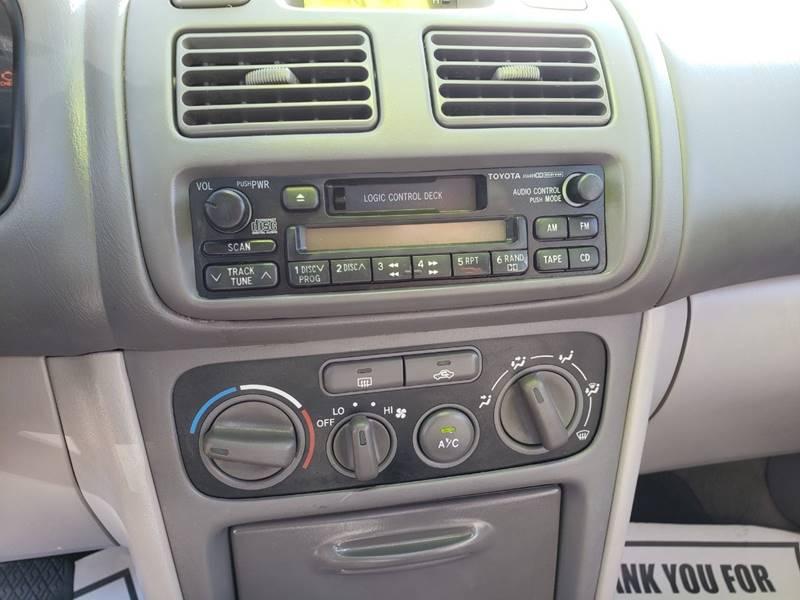 2001 Toyota Corolla CE (image 15)