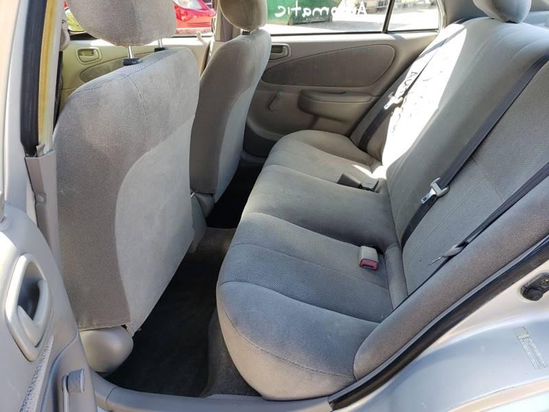2001 Toyota Corolla CE (image 18)