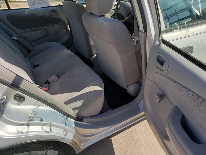 2001 Toyota Corolla CE (image 23)