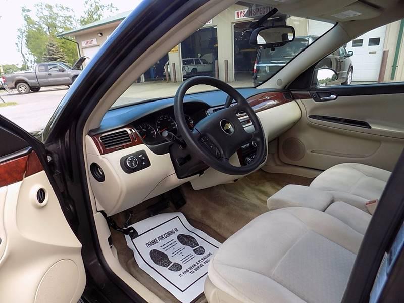 2009 Chevrolet Impala LT 4dr Sedan - Akron NY