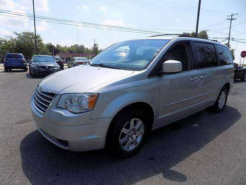2008 Chrysler Town and Country for sale in Akron, NY