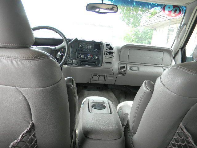 1999 Chevrolet Tahoe 4dr LT 4WD SUV - Topeka KS