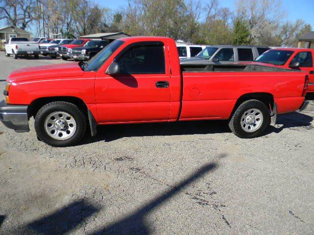 2006 Chevrolet Silverado 1500 LS 2dr Regular Cab 8 ft. LB - Topeka KS