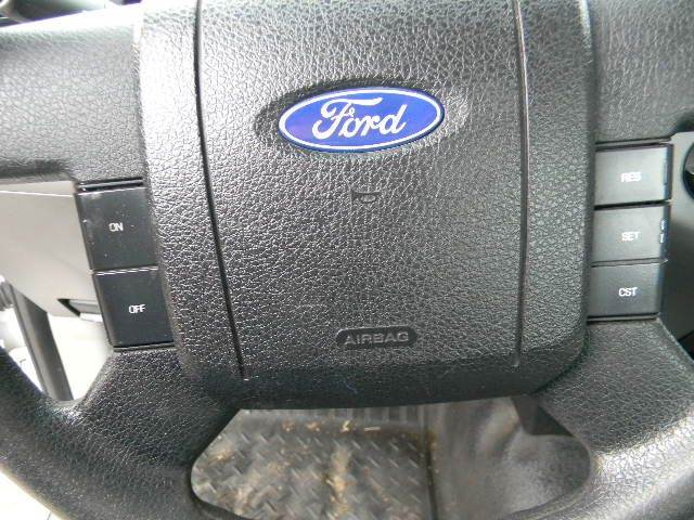 2006 Ford F-150 XL 2dr Regular Cab Styleside 8 ft. LB - Topeka KS