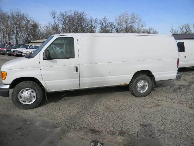 2005 Ford E-Series Cargo E-250 3dr Extended Cargo Van - Topeka KS