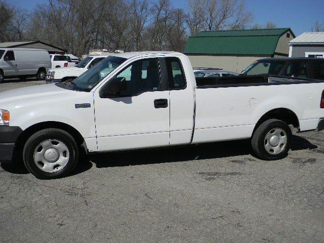 2007 Ford F-150 XL 2dr Regular Cab Styleside 8 ft. LB - Topeka KS