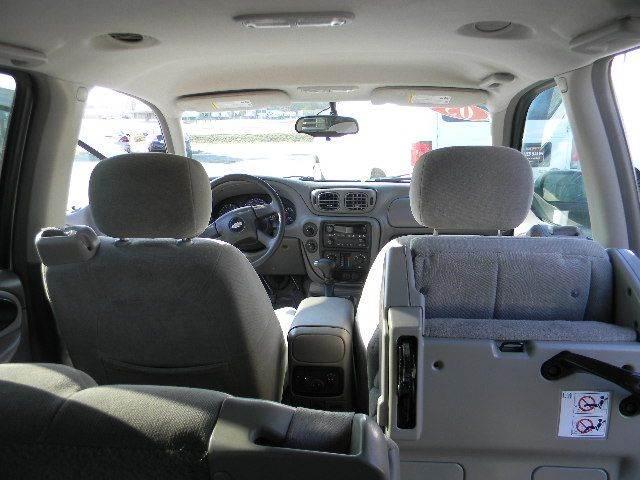 2005 Chevrolet TrailBlazer EXT LS 4WD 4dr SUV - Topeka KS
