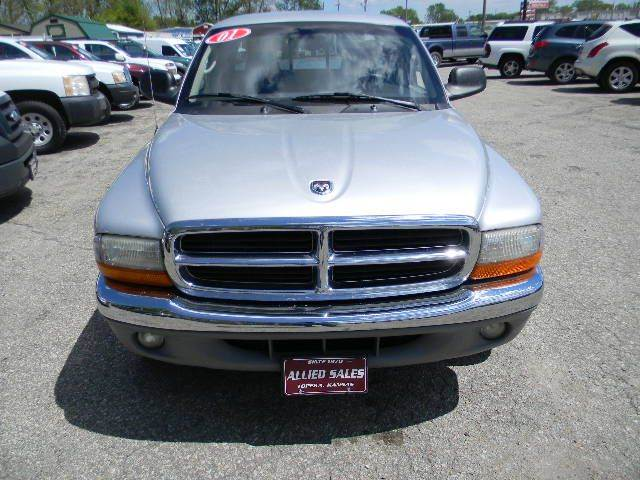 2001 Dodge Dakota 2dr SLT Club Cab SB 2WD - Topeka KS