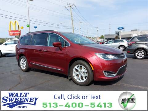 2017 Chrysler Pacifica for sale at Sweeney Preowned in Cincinnati OH
