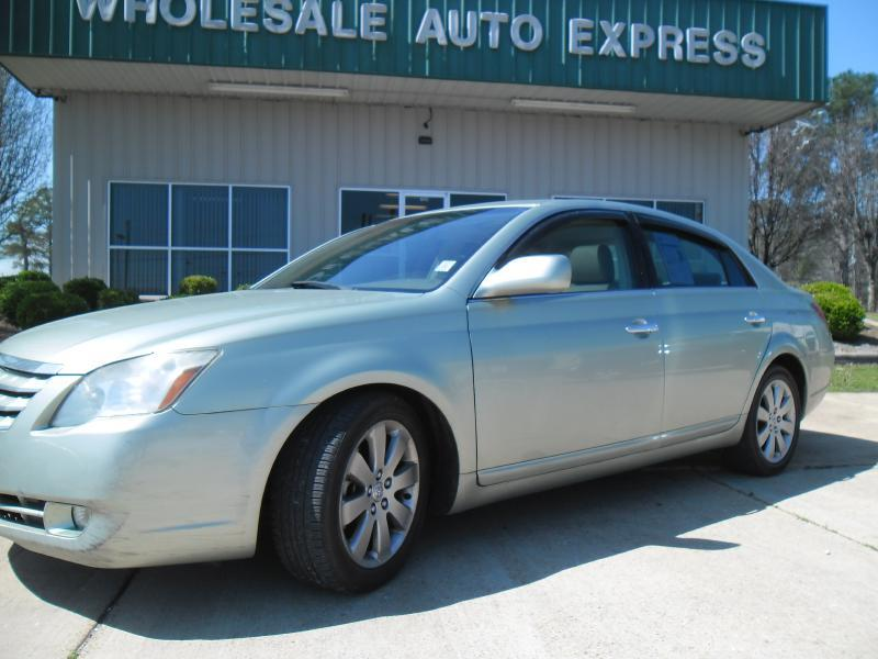 2005 Toyota Avalon for sale at WHOLESALE AUTO EXPRESS in Columbus MS