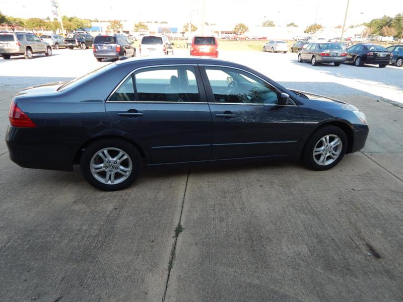 2006 Honda Accord for sale at WHOLESALE AUTO EXPRESS in Columbus MS