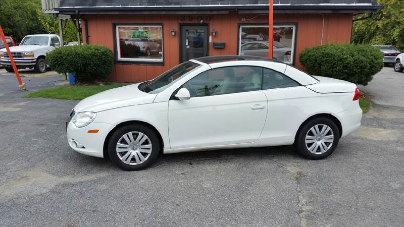 2008 Volkswagen Eos Turbo 2dr Convertible 6A - Hobart IN