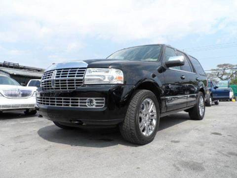 2007 Lincoln Navigator for sale at TRANSCONTINENTAL CAR USA CORP in Ft Lauderdale FL