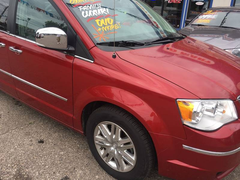 2010 Chrysler Town and Country Limited 4dr Mini-Van - Lansing MI