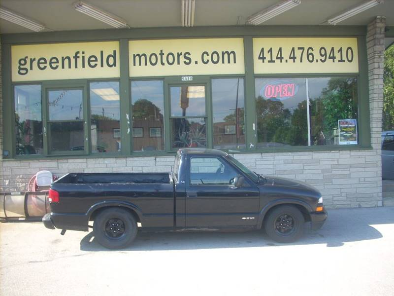 2000 Chevrolet S-10 for sale at GREENFIELD MOTORS in Milwaukee WI