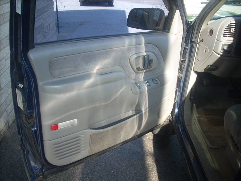 1999 Chevrolet Tahoe for sale at GREENFIELD MOTORS in Milwaukee WI