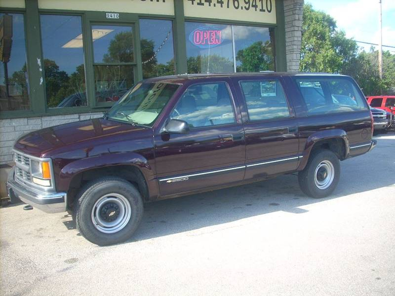 1996 Chevrolet Suburban for sale at GREENFIELD MOTORS in Milwaukee WI