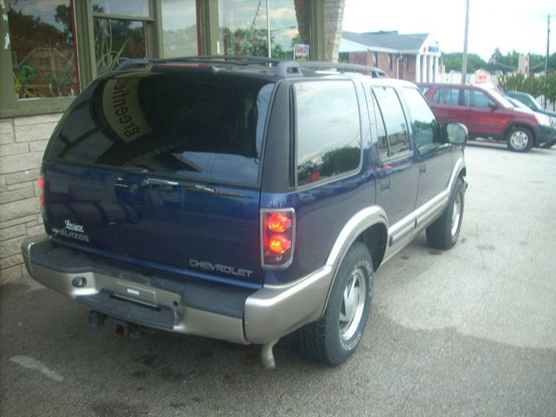 2000 Chevrolet Blazer for sale at GREENFIELD MOTORS in Milwaukee WI
