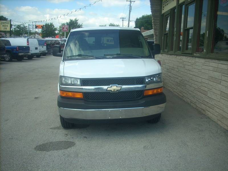 2009 Chevrolet Express Passenger for sale at GREENFIELD MOTORS in Milwaukee WI