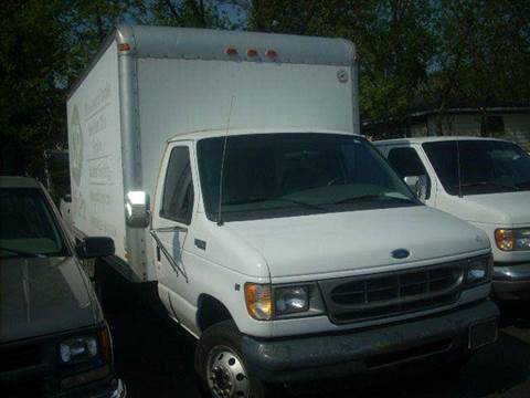 2002 Ford E-Series Chassis for sale at GREENFIELD MOTORS in Milwaukee WI