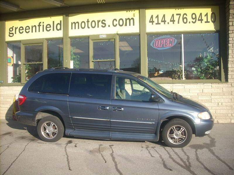 2001 Chrysler Town and Country for sale at GREENFIELD MOTORS in Milwaukee WI