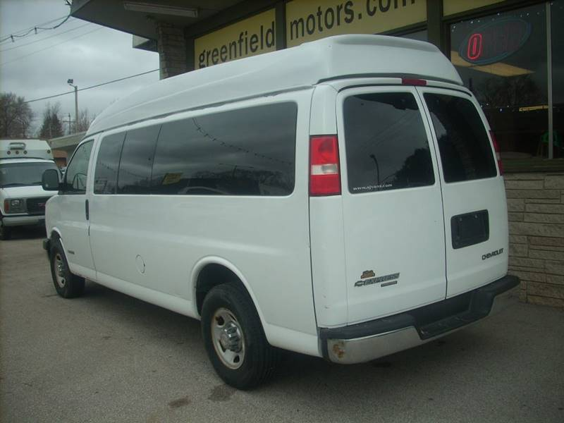2006 Chevrolet Express Passenger for sale at GREENFIELD MOTORS in Milwaukee WI