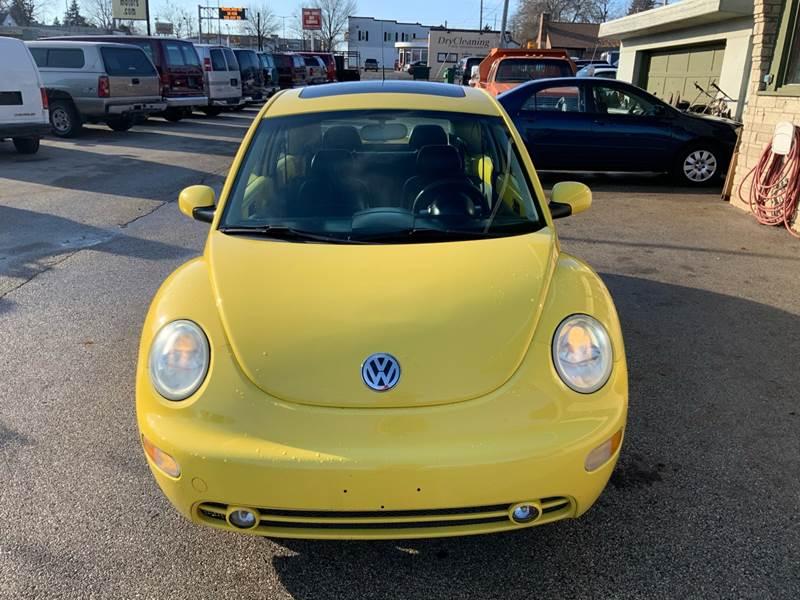 2002 Volkswagen New Beetle GLS (image 3)