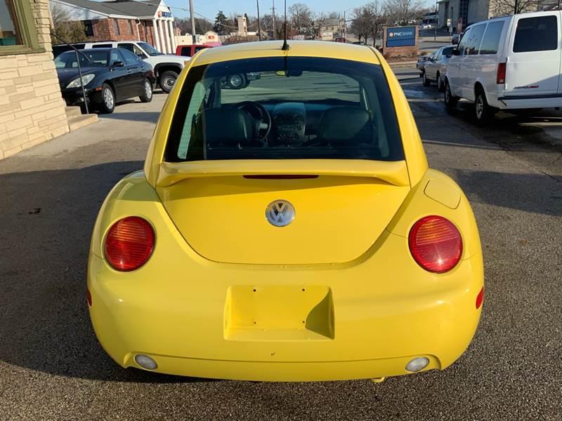2002 Volkswagen New Beetle GLS (image 6)