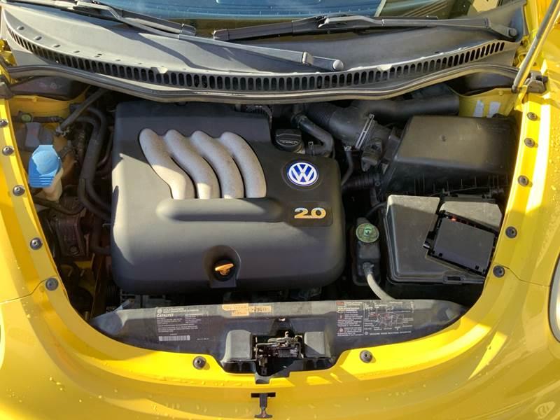 2002 Volkswagen New Beetle GLS (image 21)