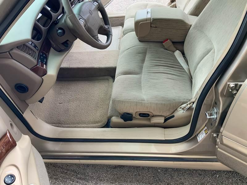 2005 Buick LeSabre Custom (image 12)