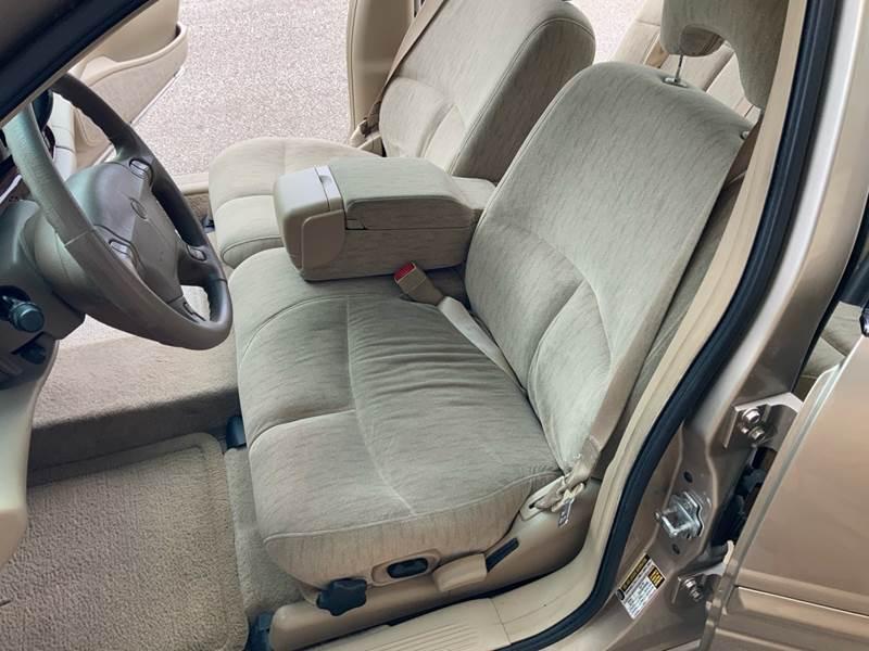 2005 Buick LeSabre Custom (image 13)