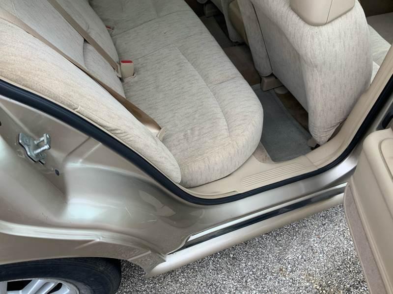 2005 Buick LeSabre Custom (image 22)