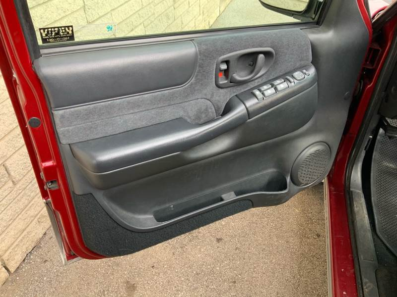 1998 Chevrolet Blazer LS (image 11)