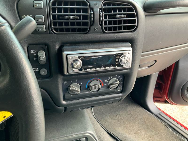1998 Chevrolet Blazer LS (image 16)