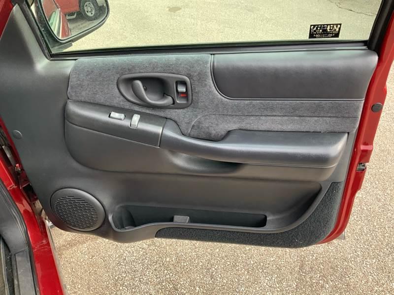 1998 Chevrolet Blazer LS (image 17)